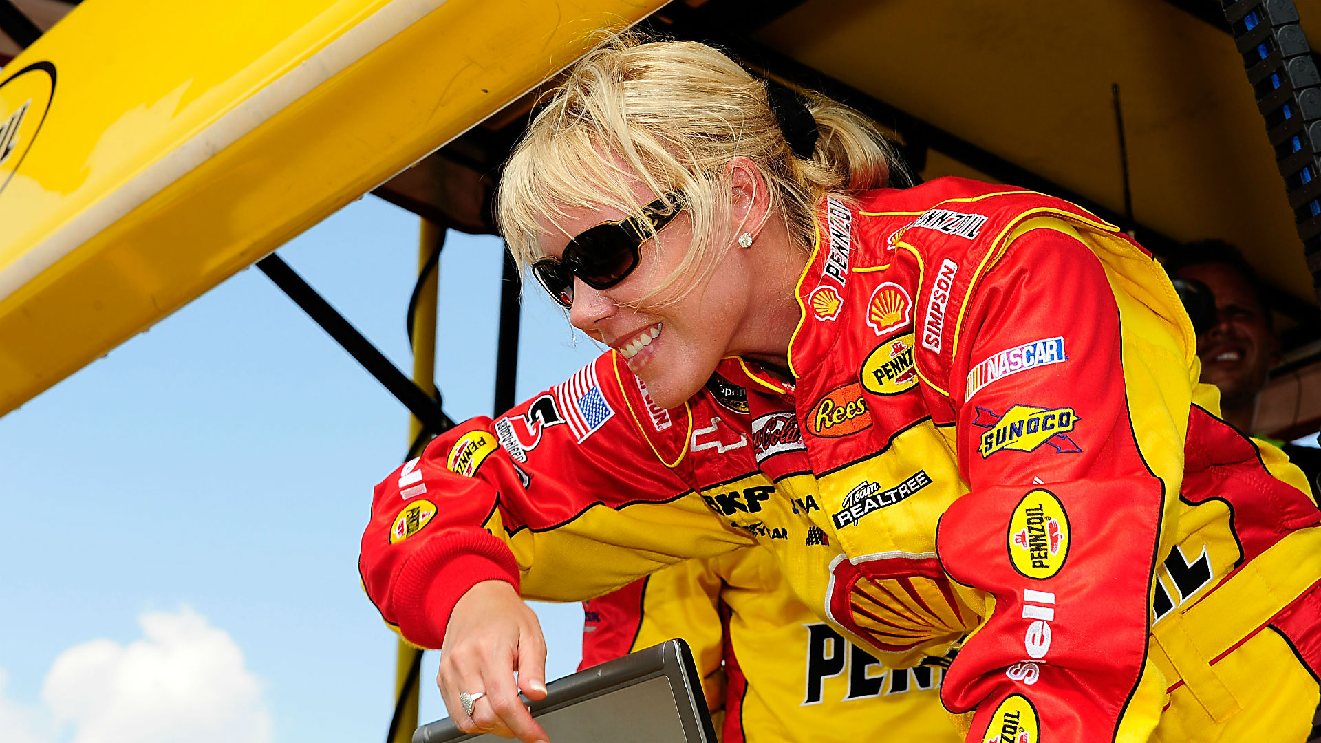 Who said that women can't drive and succeed? DeLana HARVICK DID!!!